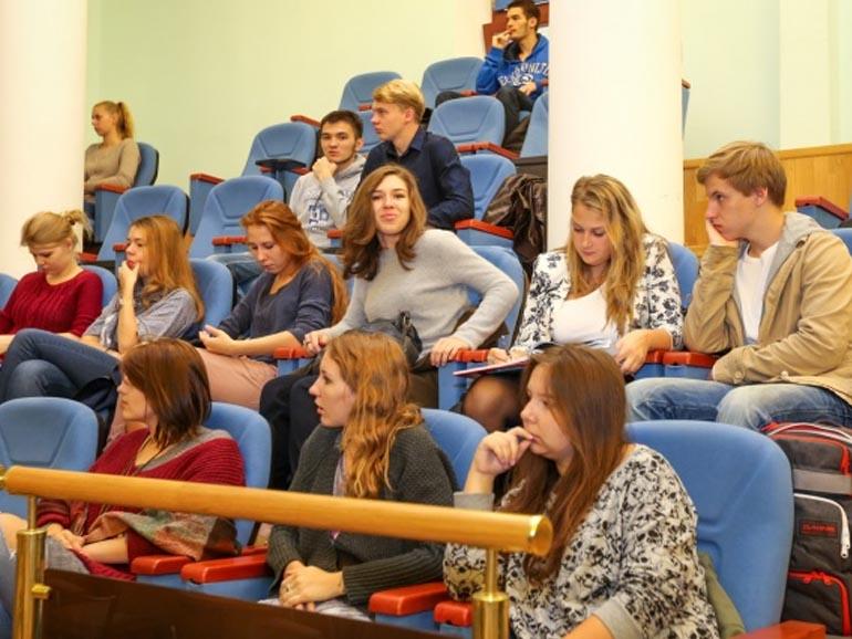 Choisir d'intégrer un Bachelor après le bac à Grenoble